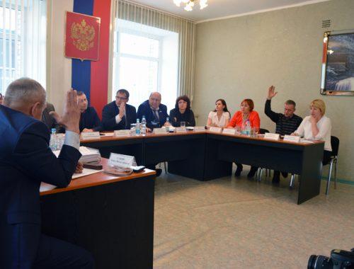 Конкурсная комиссия допустила всех кандидатов на должность главы Биробиджанского района до выборов — пресса потребовала гласности