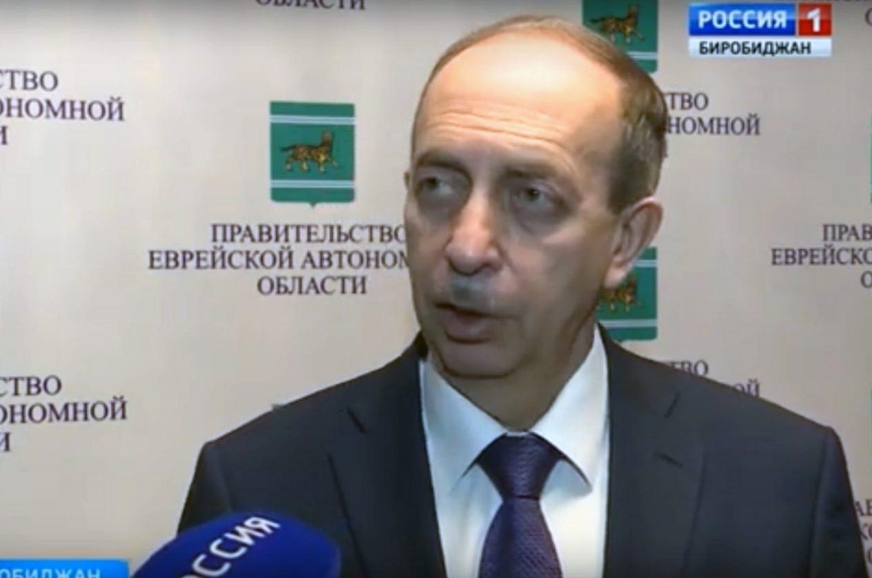 Левинталь отчитал по телевидению Коростелёва за долги по коммуналке (ВИДЕО)