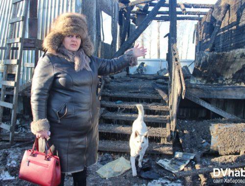 Горящий дом на поселке Лукашово пожарные приехали тушить без воды