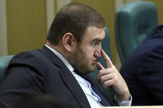 В Совете Федерации арестовали сенатора от Карачаево-Черкесии — он может быть причастен к созданию ОПГ