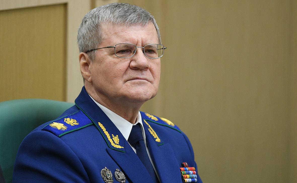 Юрий Чайка попросил увеличить зарплату прокурорам в 2-3 раза