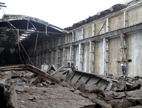 Летопись «экономического бума»: на бывшем заводе «Дальсельмаш» в Биробиджане рухнула крыша