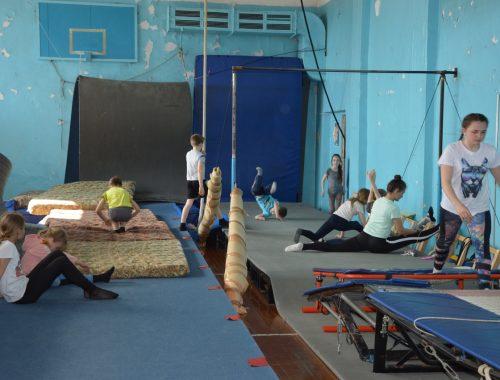 Чиновники саботируют работу по возрождению секции спортивной акробатики в Биробиджане