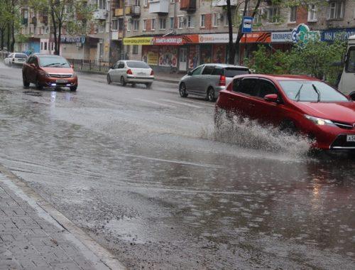 Ни пройти, ни проехать: Биробиджан тонет под проливным дождем