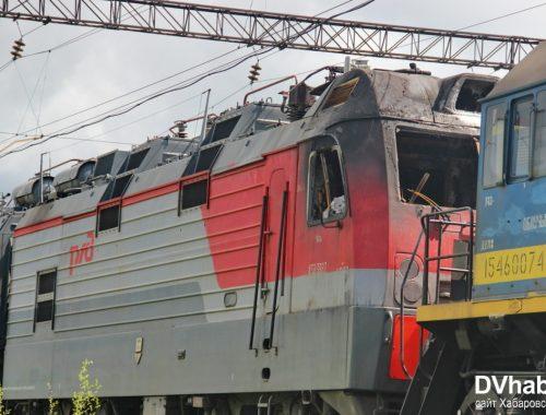 СМИ: в Биробиджане загорелся электровоз из-за нетрезвого машиниста