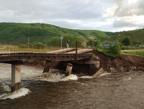 Разрушенные паводком мосты в Облучье будут восстанавливать только в следующем году