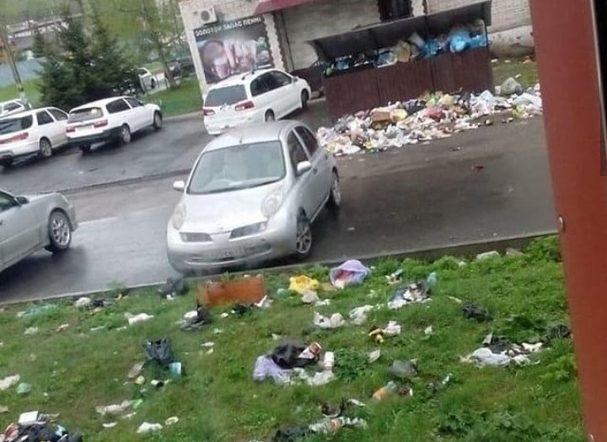 Центральная улица в Облучье утопает в зловонных отходах