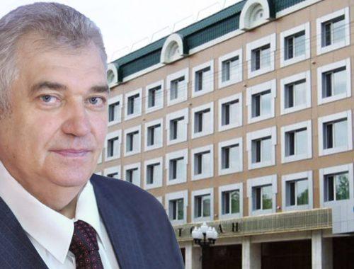 Три года условно и выплаты ущерба в размере 10,5 млн рублей попросил гособвинитель для Виктора Солнцева
