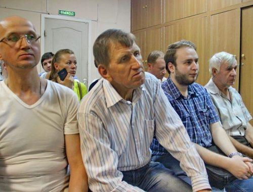 «Так держать»: избиратели округа № 14 признали удовлетворительной работу депутата гордумы Владимира Сахаровского