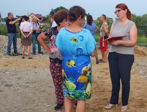 На встречах мэра Биробиджана с местными жителями проводится запись неких «активистов»