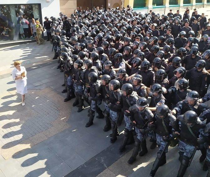 Кремль оправдывает жесткие действия правоохранителей во время беспорядков