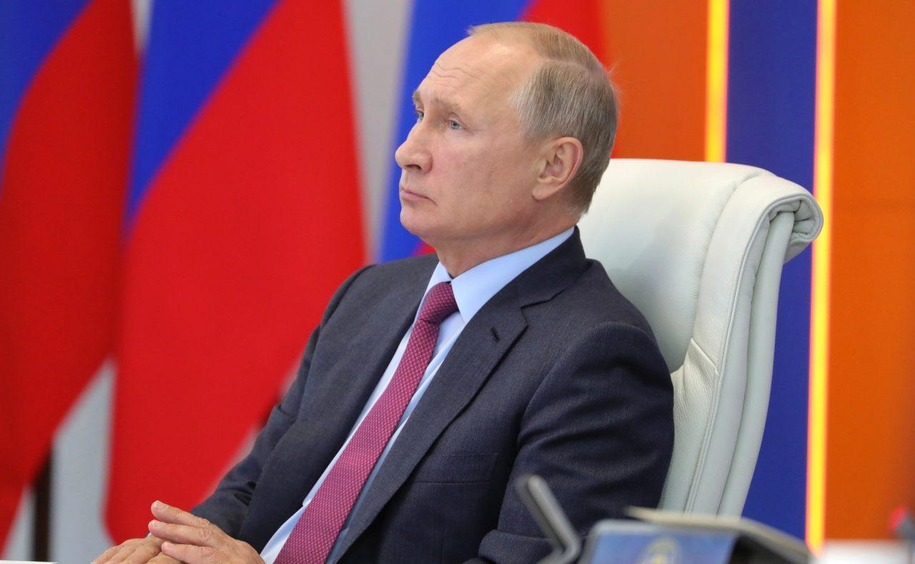 Больше трети россиян не одобряют работу президента