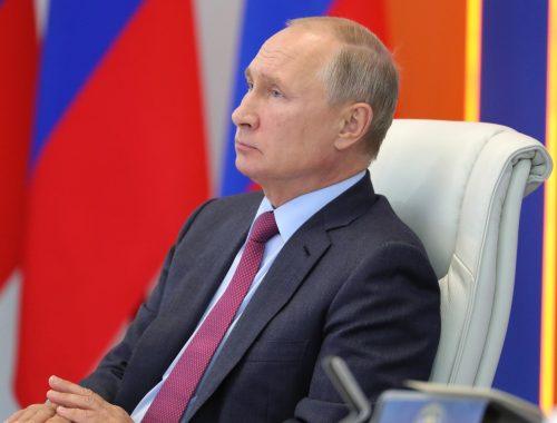 Путин подписал закон о пожизненной неприкосновенности экс-президентов