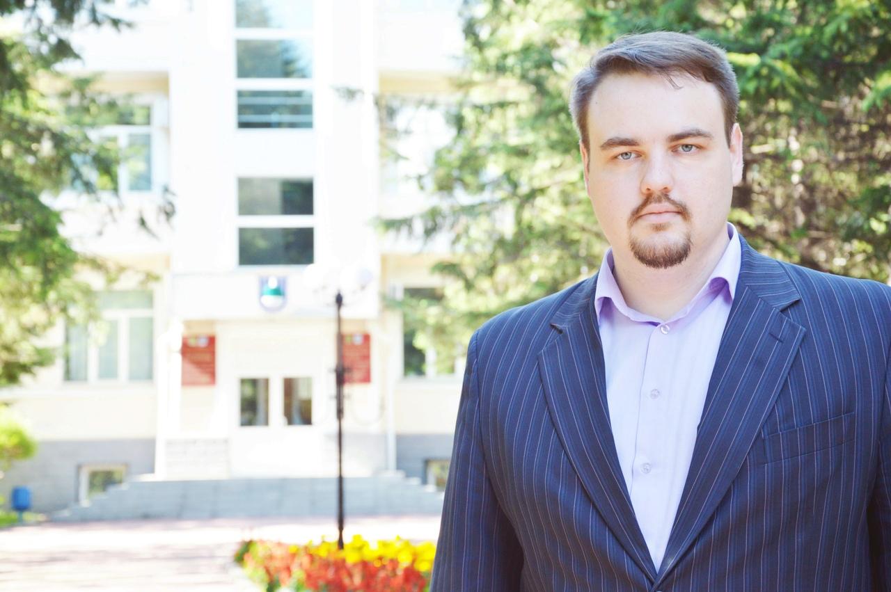 Избранный депутат городской Думы В.Сахаровский благодарит избирателей округа №14 за поддержку
