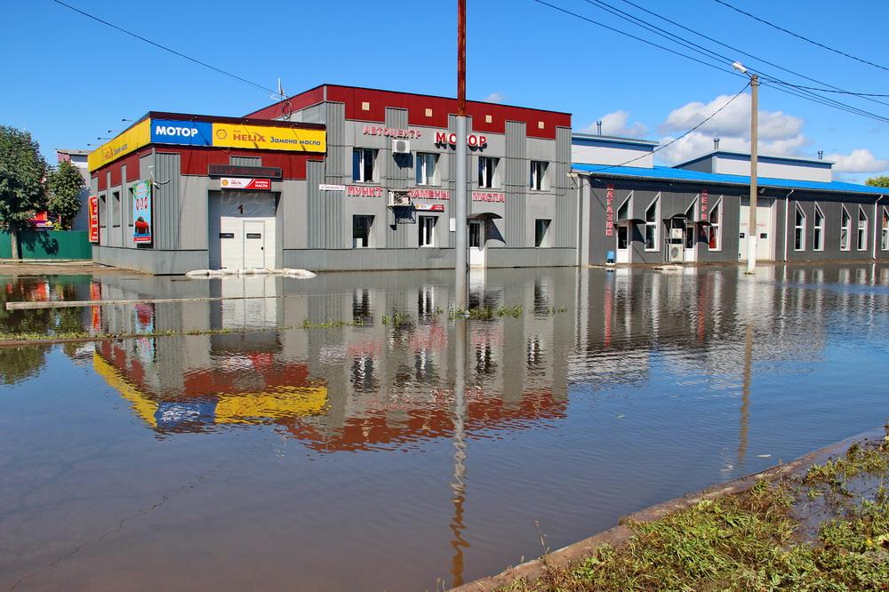 В «водном плену» продолжает оставаться участок биробиджанской улицы Текстильная