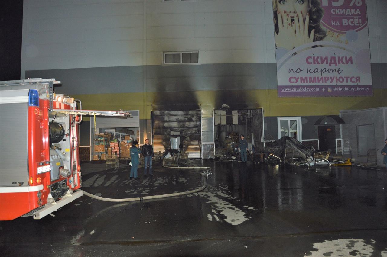 Ночной пожар в «Бира Сити» ставит вопрос о безопасности торгового центра для посетителей