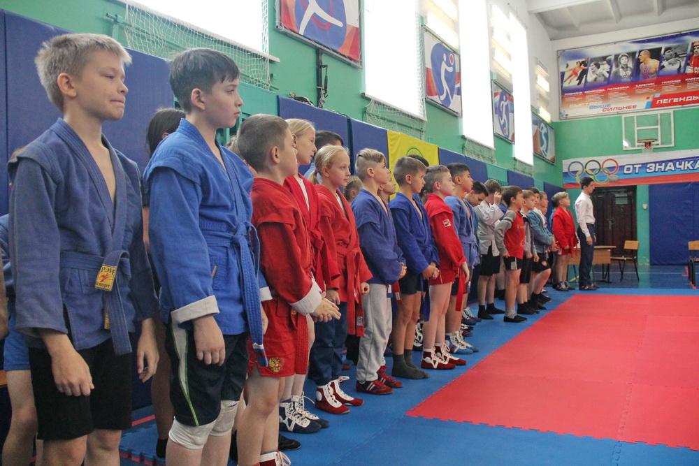 Новый областной турнир по самбо собрал более пятидесяти молодых спортсменов