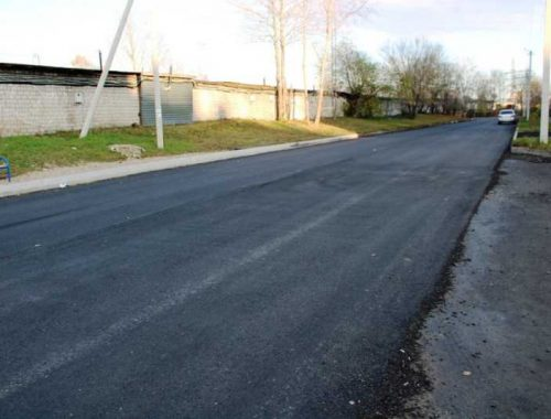 В Биробиджане завершается укладка асфальта на двух участках дорог