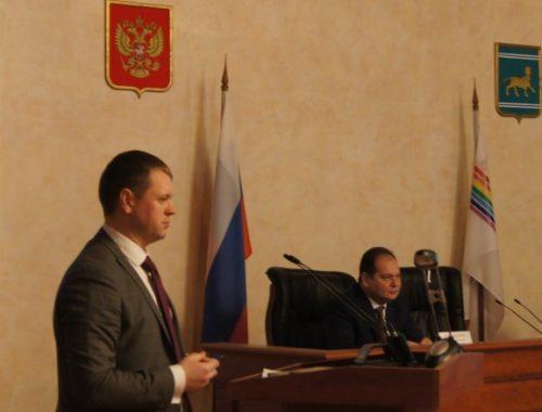 По версии Гольдштейна — молодой и очень перспективный: Головатого избрали председателем ассоциации муниципалитетов ЕАО