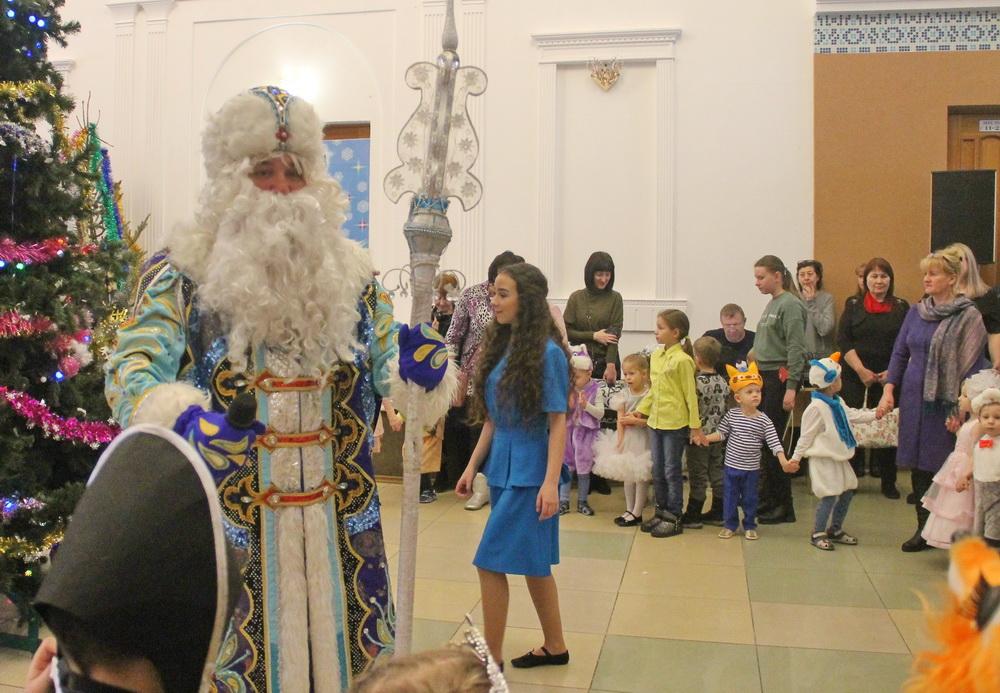 Рождественскую сказку подарили юным биробиджанцам