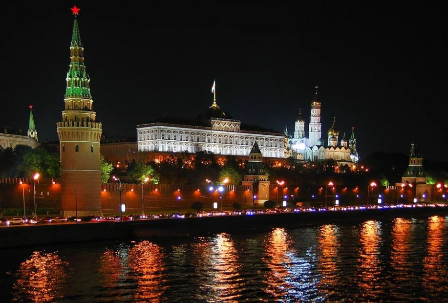 Кремль поручил регионам создать атмосферу праздника на голосовании по поправкам в Конституцию