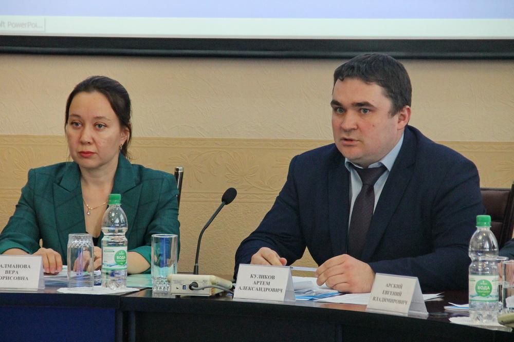 Артём Куликов ушел в отставку с поста председателя гордумы Биробиджана и сложил мандат депутата — источники