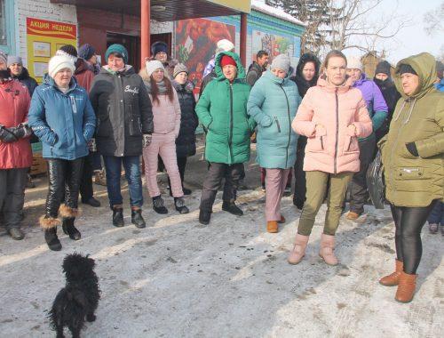 «Не везите их сюда»: жители Пронькино выступили против открытия «спецприемника» для иностранцев