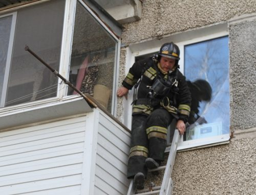 При пожаре в многоквартирном доме в ЕАО погибла женщина-инвалид