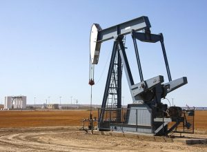 Добыча нефти в России в апреле снизилась на 7,8%