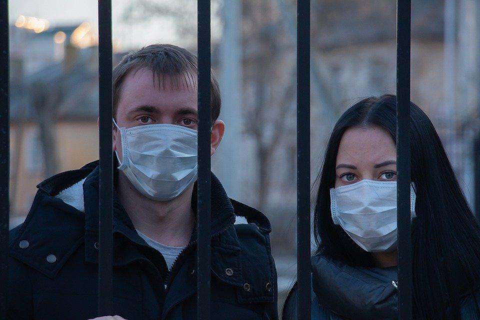 В России разрабатывают систему контроля за ношением масок
