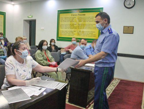Прокурор ЕАО встретился с отправленными в простой работниками детской областной больницы