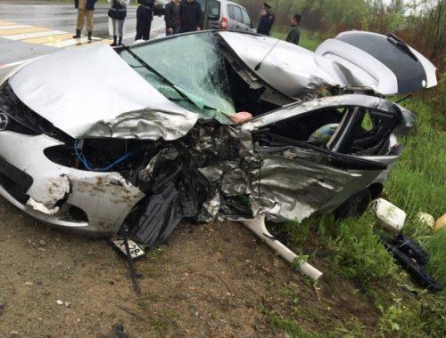 Смертельное ДТП на хабаровской трассе: легковушка разбилась о фуру, выехав на встречку