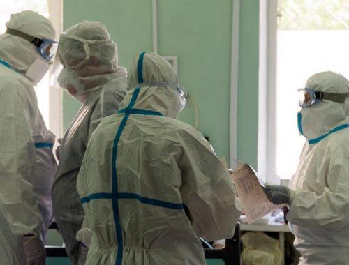 В России из-за коронавируса скончались почти 500 медиков