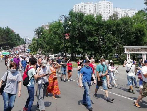 В Хабаровске сегодня вновь продолжились стихийные манифестации в поддержку Сергея Фургала