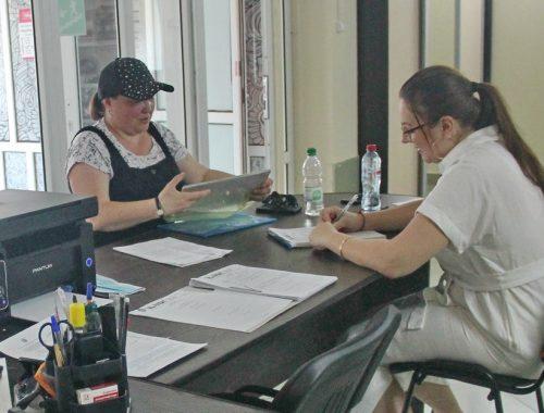 Жители ЕАО продолжают получать помощь в общественной приёмной «Набата»
