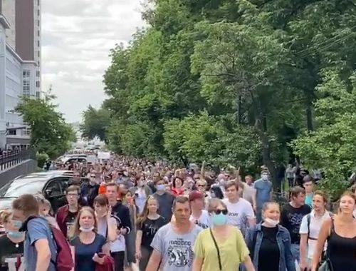 В Кремле не считают, что митинги в Хабаровске были проплачены
