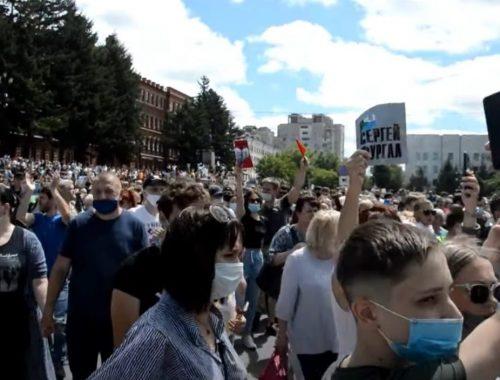 В Минздраве после акций в Хабаровске заявили об опасности митингов