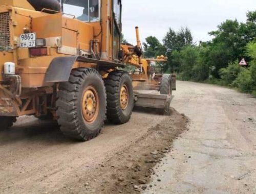 В Биробиджане приступили к ремонту дороги на Щукинку