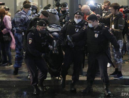 В Москве на акции против поправок в Конституцию задержали более сотни человек