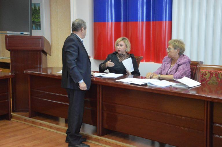 Скандал в облизбиркоме-2: как члены комиссии свою непредвзятость отстаивали