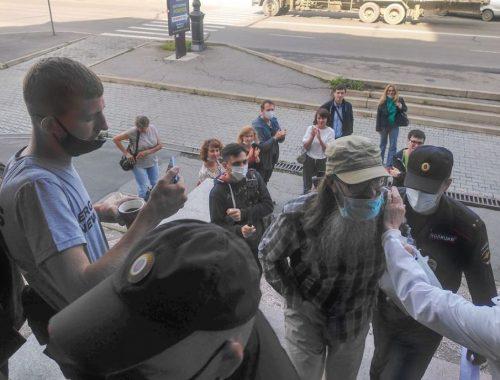 Священника из ЕАО арестовали на трое суток за участие в хабаровском митинге