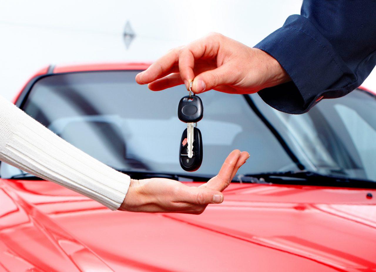 В России почти на четверть снизилось производство легковых автомобилей