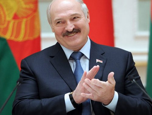 Путин разрешил Лукашенко не возвращать долг на $1 млрд