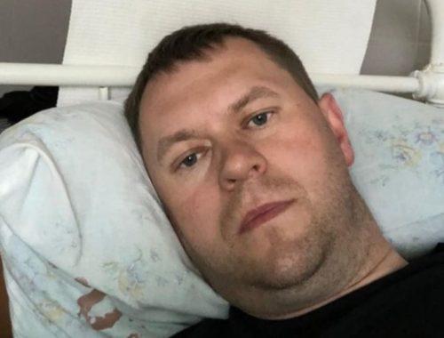 «На капельницах и уколах»: Александра Головатого госпитализировали в коронавирусный госпиталь
