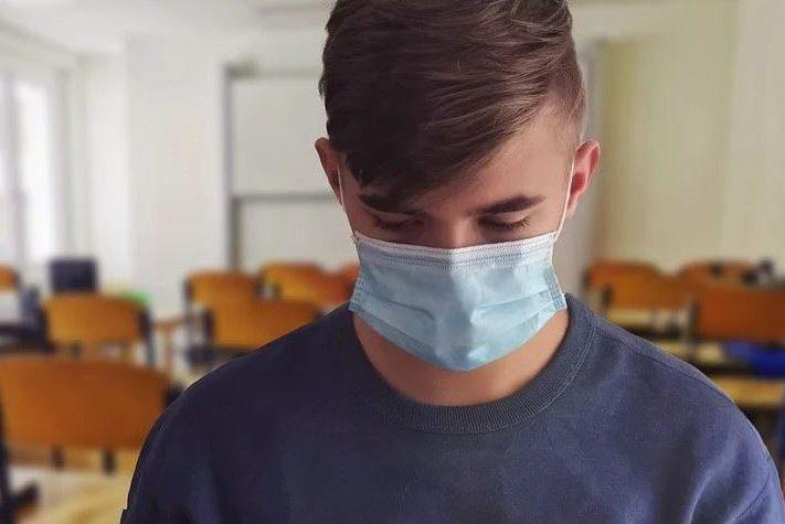 Биробиджанских школьников, переболевших ОРВИ, принуждали сдать анализ на коронавирус