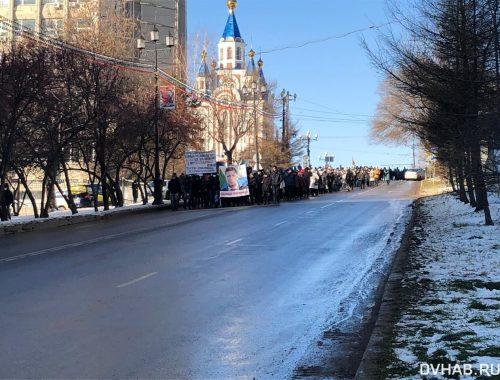 Новыми задержаниями отмечен традиционный субботний митинг в Хабаровске