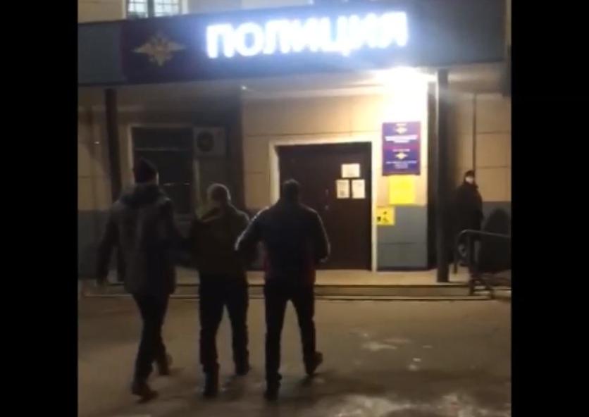 Полицейские задержали в Хабаровске насильника, надругавшегося над биробиджанской таксисткой