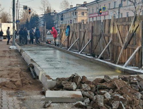 «Памятники долгострою» вместо обещанных автобусных остановок возмущают биробиджанцев