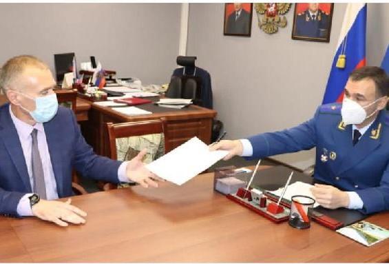 Прокурор ЕАО объявил предостережение главе комитета образования ЕАО Михаилу Калманову