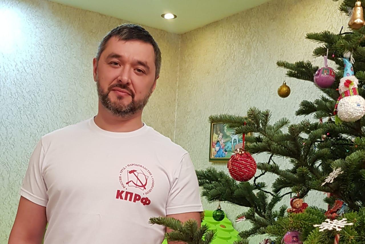 С наступающим Новым годом жителей ЕАО поздравляет Максим Кукушкин